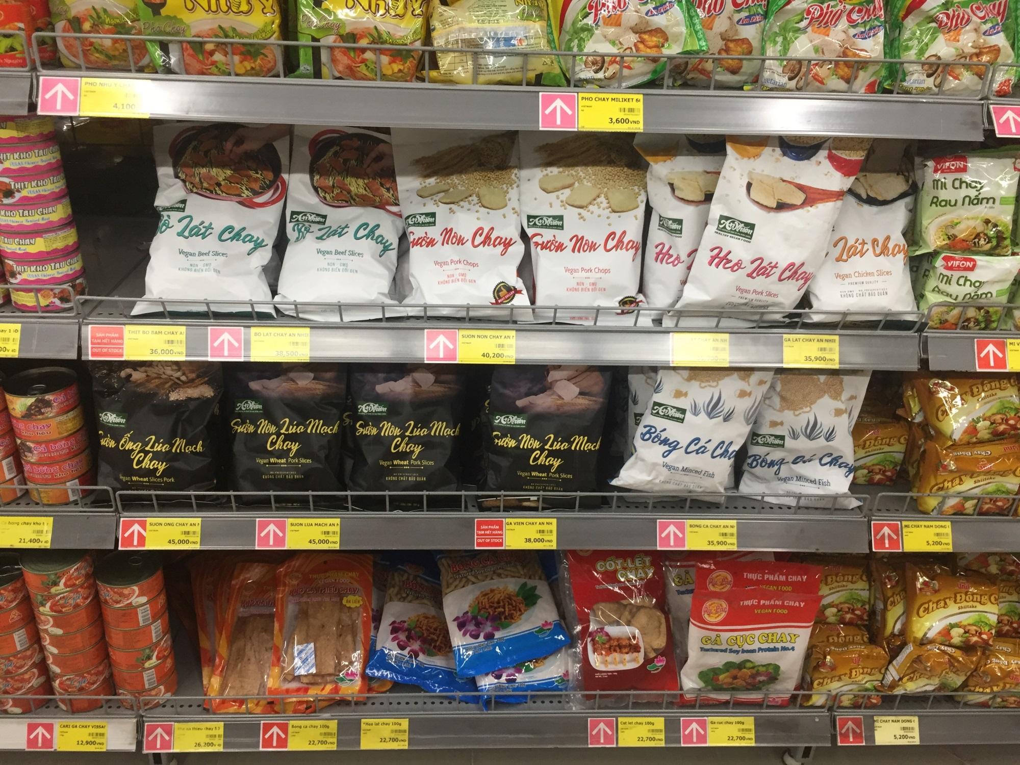 Thực phẩm chay giả mặn kém chất lượng: Chuyên gia cảnh báo về những tác hại khôn lường ảnh 2