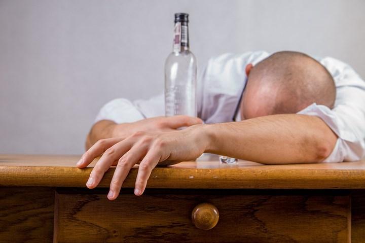Ngộ độc rượu và cách xử trí ai cũng phải biết để đảm bảo ngày Tết an toàn ảnh 2