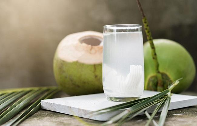 Uống nước dừa vào mỗi buổi sáng, bạn sẽ không bao giờ biết đến lão hóa da, mụn nhọt hay thâm nám ảnh 1