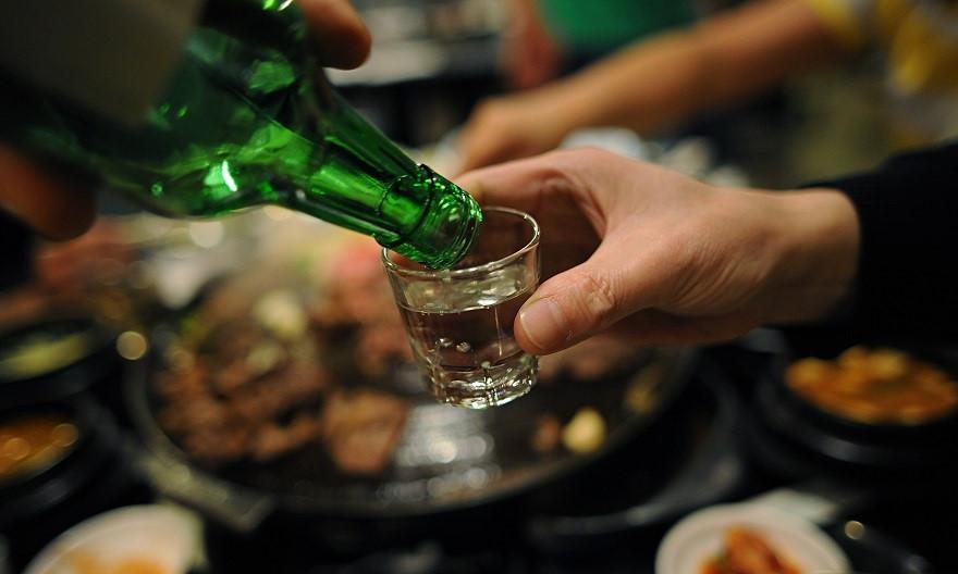 Cứ lót dạ những thực phẩm này trước khi uống rượu bia thì đảm bảo tiệc tùng thâu đêm cũng không say ảnh 1