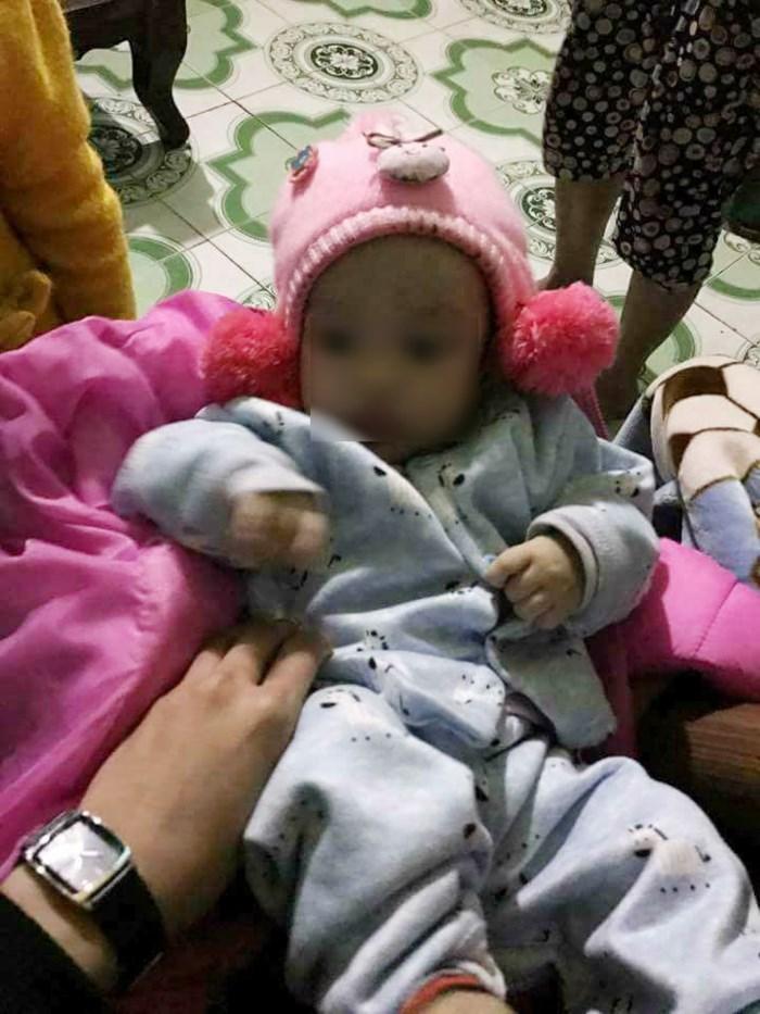 Bé gái 4 tháng bị bỏ rơi ngày cận Tết, người mẹ hứa không bao giờ đòi lại ảnh 1