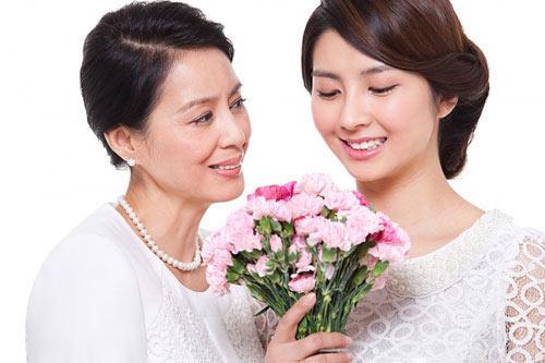 Sự khác nhau 'một trời một vực' giữa mẹ chồng và mẹ đẻ, chị em nào đã lấy chồng lại càng thấm thía ảnh 2
