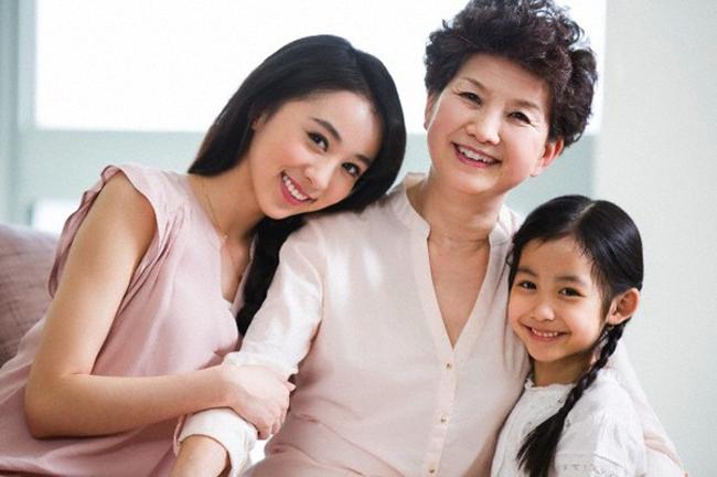 Sự khác nhau 'một trời một vực' giữa mẹ chồng và mẹ đẻ, chị em nào đã lấy chồng lại càng thấm thía ảnh 3